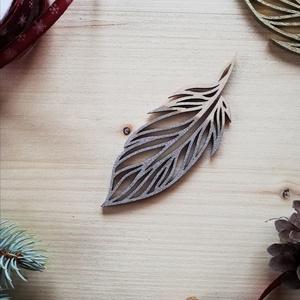 Ezüst toll karácsonyfadísz, Karácsonyfadísz, Karácsony & Mikulás, Otthon & Lakás, Famegmunkálás, Natúr, ezüst, arany\nAz oldalamra felkerült minden díszem- az arany és az ezüst is- mind-mind fából k..., Meska