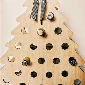 Sörkalendárium, Karácsony & Mikulás, Adventi naptár, Gravírozás, pirográfia, Adventi kalendárium nagyoknak!\n24 darab, 0.5 literes sört lehet a visszaszámláló naptárba tenni.\nHa ..., Meska