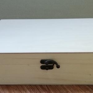 Fadoboz 29x20,5x8,5 cm, Fa, Doboz, Asztalos által készített, natúr, kezeletlen fadoboz 29x20,5x8,5 cm méretben. Anyaga: fenyő, illetve ..., Meska