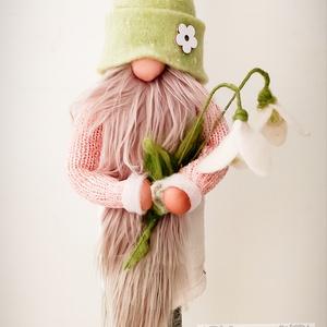 Tavaszi manó virággal, Otthon & lakás, Dekoráció, Varrás, Nemezelés, Egyedi, gyapjú kiegészítőkkel készül a manó.A virág, a manó sapkája és cipője gyapjúból készül. A ru..., Meska