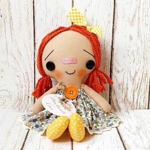 Raggedy Ann baba, Otthon & Lakás, Dekoráció, Baba-és bábkészítés, Varrás, 24 cm magas dekorációs baba.\nNagyszerű dísze lehet a lakásnak.\nEgyéni szabásminta alapján készül min..., Meska