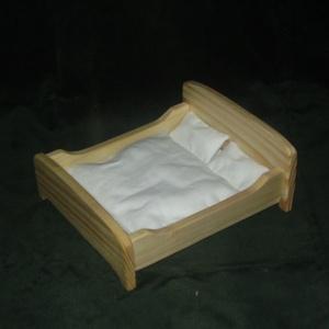 Babaágy dupla, Gyerek & játék, Játék, Baba játék, Fajáték, Famegmunkálás,  Dupla babaágy natúr fából készült paraffinolajjal van kezelve.\n2 db 17 cm-es baba fér az ágyba.\nAz ..., Meska