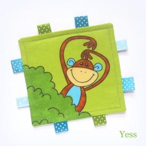RONGYI, RONGYIKENDŐ, címkerongyi, készségfejlesztő babajáték, Gyerek & játék, Játék, Baba játék, Baba-mama kellék, Készségfejlesztő játék, Varrás, Vidám, színes, állatmintás textilekből és  szalagokból készült ez a készségfejlesztő rongyikendő a l..., Meska