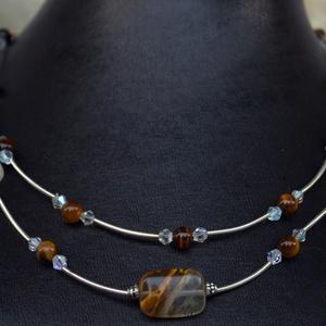 Safari kollekció cseresznyekvarc és tigrisszem gyöngyökből, Swarovski kristállyal és tibeti ezüsttel kombinálva (YneroKoDesign) - Meska.hu