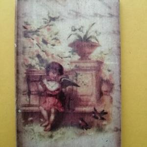 Vintage mintás hűtőmágnes, Otthon & Lakás, Konyhafelszerelés, Hűtőmágnes, Famegmunkálás, Decoupage, transzfer és szalvétatechnika, Vintage mintás hűtőmágnes.\nAntikolva\n4,5 x 7 cm, Meska