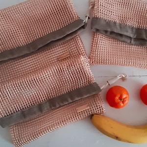 Bevásárló zsák, NoWaste, Bevásárló zsákok, zacskók , Varrás, 3 db Bevásárló zsákot készítettem erős hálós és pamutvászon anyagból.\nZsákok mérete:\n33 ×28 cm \n30 c..., Meska