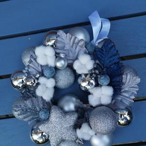 Karácsonyi adventi Ajtódísz kopogtató- kék hajnal , Karácsonyi kopogtató, Karácsony & Mikulás, Otthon & Lakás, Virágkötés, Hogyha valami Gyönyörűre, különlegesre, extrára vágysz...\nEgyedi, saját készítésű koszorúm a kék haj..., Meska