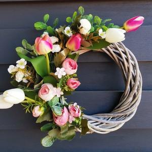 Tavaszi /nyári Ajtódísz kopogtató - tavasz 7, Otthon & Lakás, Dekoráció, Ajtódísz & Kopogtató, Virágkötés, Selyem virág és vessző koszorú, 25 cms a koszorú alap. , Meska