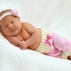Újszülött 2 részes rózsaszín szett hajpánt + nadrág, Gyerek & játék, Baba-mama kellék, Táska, Divat & Szépség, Gyerekruha, Ruha, divat, Horgolás, A képen látható újszülött 2 részes rózsaszín szettet (hajpánt + nadrág) vásárolhatod meg ebben a hir..., Meska