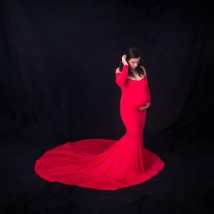 Piros kismama ruha uszállyal, Kismamaruha, Női ruha, Ruha & Divat, Varrás, A képen látható piros uszályos kismama ruhát főként fotózásra ajánlom.\n\n Szinte minden kismama ruhám..., Meska