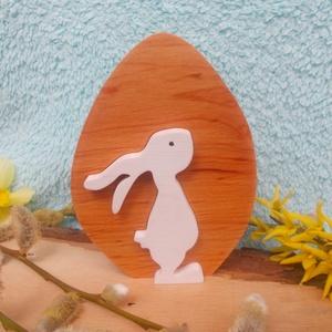 Fa lány nyúl tojásban, Asztaldísz, Dekoráció, Otthon & Lakás, Famegmunkálás, Festett tárgyak, Égerfából ,vagy hársfából készült , szétszedhető húsvéti dekoráció.\nMindkét oldala gyerekjátékokra h..., Meska