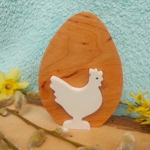 Fa tyúk tojásban, Otthon & lakás, Dekoráció, Ünnepi dekoráció, Húsvéti díszek, Lakberendezés, Asztaldísz, Égerfából készült , szétszedhető húsvéti dekoráció. Mindkét oldala gyerekjátékokra használt festékke..., Meska