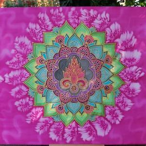 """Újjászületés Mandala, Mandala, Dekoráció, Otthon & Lakás, Selyemfestés, Ez a selyemkép 45 cm x 43 cm - s habkartonra lett kifeszítve, képakasztóval ellátva.  \n""""Időnként meg..., Meska"""