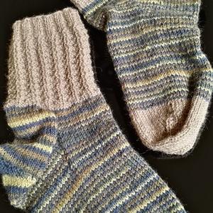 Kötésleírás - Férfi zokni, DIY (leírások), Szabásminta, útmutató, Kötés, horgolás, Színátmenetes és egyszínű, kifejezetten zokninak való gyapjú-akril keverék fonalból készült lábraval..., Meska