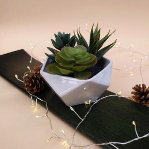 Kaktusztartó, Otthon & Lakás, Ház & Kert, Cserép & Kaspó, Kerámia, Színezett porcelánból készült kaktusztartó, kisebb növények ideális. A termék egyedi öntési techniká..., Meska