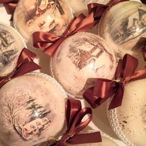 Karácsonyfa disz 8 cm-es akril gömb, Otthon & lakás, Dekoráció, Ünnepi dekoráció, Karácsonyi, adventi apróságok, Karácsonyfadísz, Decoupage, transzfer és szalvétatechnika, Festett tárgyak, 8 cm-es belülről diszitett üvegnek látszó akril diszek téli táj mintával.\n\n1 db 1.200 Ft\n6 db 6.500 ..., Meska