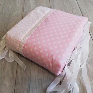 Rózsaszín pöttyös rácsvédő kislányoknak babaágyba, Otthon & Lakás, Lakástextil, Rácsvédő & Baldachin, Varrás, Meska