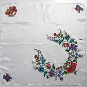 Kézzel festett SELYEMKENDŐ, matyó virág minta, színes, fekete és fehér_23 (zitanart) - Meska.hu