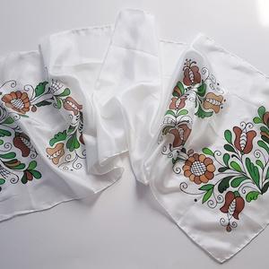 Kézzel festett SELYEMSÁL, magyar népművészet, korondi indás virág, fehér, barna és zöld_47 - Meska.hu