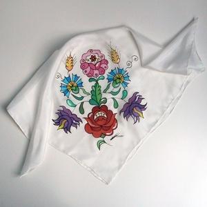 Kézzel festett SELYEMKENDŐ, matyó virág, színes, fekete, fehér_60, Magyar motívumokkal, Táska, Divat & Szépség, Ruha, divat, Kendő, Selyemfestés, Elegáns és vidám matyó mintás selyemkendő, minden alkalomra. \n\n Nagyon puha, lágy esésű, magas fényű..., Meska