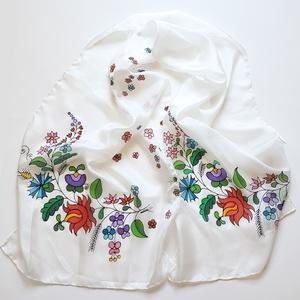 Kézzel festett SELYEMSÁL, magyar népművészet, matyó virág minta, színes, fekete és fehér_25 (zitanart) - Meska.hu