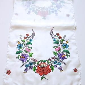 Kézzel festett SELYEMSÁL, matyó virág minta, színes, fekete és fehér_26, Táska, Divat & Szépség, Magyar motívumokkal, Selyemfestés, Nagyon elegáns és vidám matyó mintás selyemsál, minden alkalomra. \n\nViselete és mosása során színét,..., Meska