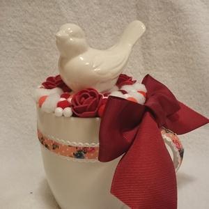 5a3e9bb521 Asztaldísz, madaras asztaldekoráció bögrében, fehér-piros színben,  Dekoráció, Otthon, lakberendezés