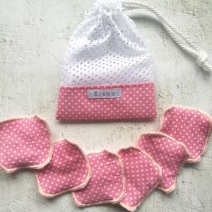 Rózsaszín pöttyös arclemosó párnácskák + szütyő szett, Szépségápolás, Arcápolás, Arctisztító korong, Varrás, 100% pamut vászon felhasználásával, illetve pihepuha bébiplüssel készült mosható, sokszor használato..., Meska