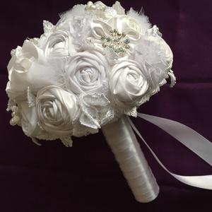 Fehér álom, Esküvő, Esküvői csokor, Mindenmás, Virágkötés, Menyasszonyi örök csokor,csupa szépséges virágból,amiket magam készítettem.\nKülönböző minőségű anyag..., Meska