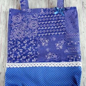 Patchwork kékfestő bevásárló táska/szatyor pamutcsipkével , Táska & Tok, Bevásárlás & Shopper táska, Shopper, textiltáska, szatyor, Varrás, Ha környezettudatos vagy és kedveled a népies darabokat, akkor neked ajánlom ezt a patchwork kékfest..., Meska