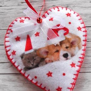 Karácsonyfa dísz szív alakú (Corgi+Cirmos), Karácsony, Karácsonyi lakásdekoráció, Karácsonyfadíszek, Varrás, Meska