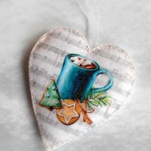 Vintage stílusú szív alakú karácsonyfadísz (forró csokis csésze) , Karácsony, Karácsonyi lakásdekoráció, Karácsonyfadíszek, Varrás, Meska