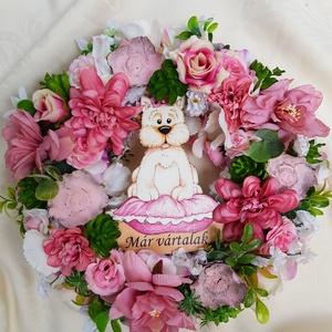 Westie-s ajtódísz, Otthon & lakás, Dekoráció, Dísz, Lakberendezés, Ajtódísz, kopogtató, Virágkötés, Ez a puncs-fehér színösszeállítású kopogtató selyemvirágokból és száraztermésekből készült. Alapja: ..., Meska