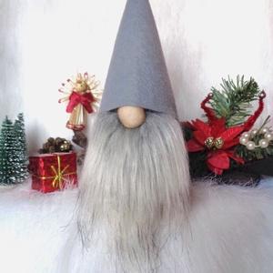 KARÁCSONYI manó skandináv gnom fehér sapkával , Karácsony & Mikulás, Karácsonyi dekoráció, Baba-és bábkészítés, Varrás, KARÁCSONYI manó skandináv gnom fehér sapkával\negyedi ,kézzel készített, saját termék \nkedves karácso..., Meska