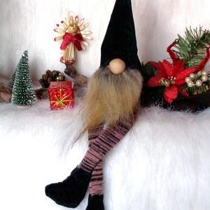 KARÁCSONYI manó, skandináv gnom  csíkos láb, zöld sapka, Karácsony & Mikulás, Karácsonyi dekoráció, Baba-és bábkészítés, Varrás, KARÁCSONYI MANÓ skandináv gnom csíkos lábbal zöld sapkával\n egyedi,kézzel készített, saját termék\nke..., Meska