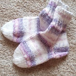 """Lila  cirmos zokni, Ruha & Divat, Női ruha, Kötés, Kedves Érdeklődőm!\nFogadd szeretettel a jó szívvel, hobbyból kötött """"lábtyűket""""!\nMindegyik páros  eg..., Meska"""