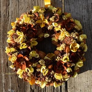 """Csoki/citrom    - nyári termés-koszorú - KÉSZTERMÉK, Otthon & lakás, Lakberendezés, Dekoráció, Dísz, Ajtódísz, kopogtató, Mindenmás, Virágkötés, \""""Fordított üzemmód\"""": Arany- és sápadt citromsárga termések, barna színű virágokkal.\nKizárólag termés..., Meska"""