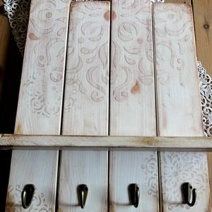 Rózsaszín mandala mintás polcos  fali akasztó, Otthon & lakás, Lakberendezés, Dekoráció, Bútor, Polc, Festett tárgyak, Újrahasznosított alapanyagból készült termékek, 4 szélesebb falécből álló, környezetbarát krémszínű krétafestékkel alapozott, rózsaszín-lila árnyala..., Meska