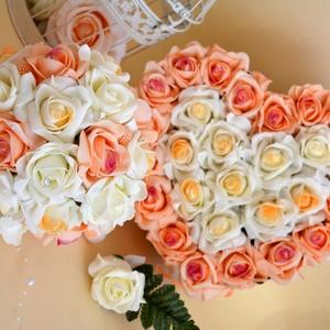 Exkluzív barack garnitúra, Esküvő, Esküvői csokor, Esküvői dekoráció, Meghívó, ültetőkártya, köszönőajándék, Virágkötés, Finom pasztel elegáns színekből állítottam össze ezt a csodás örökrózsa garnitűrát.\nExkluzív színátm..., Meska