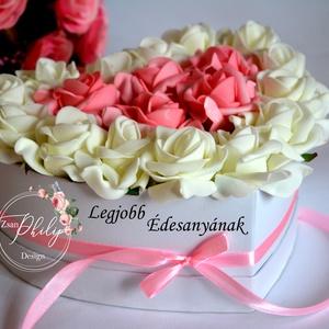 Anya box, Anyák napja, Ünnepi dekoráció, Dekoráció, Otthon & lakás, Esküvő, Meghívó, ültetőkártya, köszönőajándék, Lakberendezés, Decoupage, transzfer és szalvétatechnika, Virágkötés, Egyedi szívhez szóló üzenetet kérhetsz a stílusos szív boxra. Gyönyörű örök habrózsa rózsaszín és fe..., Meska
