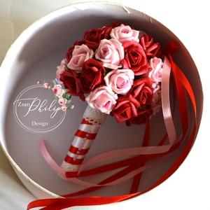 Mini dobó csokor, Menyasszonyi- és dobócsokor, Esküvő, Virágkötés, A mini dobócsokrot  vörös és babarózsaszín mini habrózsákból készítettem. Ízléses apró gyöngyfejek d..., Meska