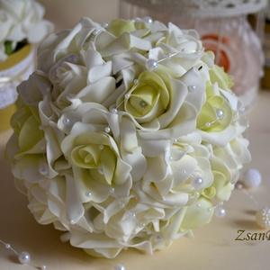 Pisztáciazöld habrózsa csokor, Esküvő, Esküvői csokor, Virágkötés, Krémfehér és ekrü-zöld színátmenetes habrózsákból készűlt az örök ékszer varázslatosan pazar esküvői..., Meska