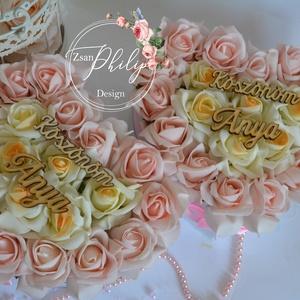 2 db Szülőköszöntő szív virágbox, Esküvő, Meghívó, ültetőkártya, köszönőajándék, Lakberendezés, Otthon & lakás, Asztaldísz, Virágkötés, Csodás virágbox egyedi szív formában élethű örök habrózsa szálakkal. Más színű habrozsával is kérhet..., Meska