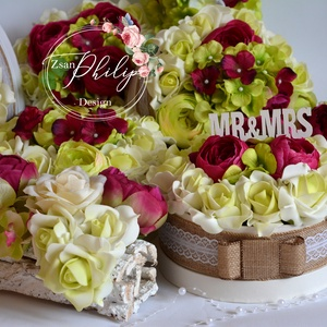 Asztaldísz garnitúra, Asztaldísz, Dekoráció, Esküvő, Virágkötés, Csodás örök esküvői asztaldísz garnitúra. Habrózsa és selyemvirágokból.\nA garnitúra tartalma:\n2 faké..., Meska