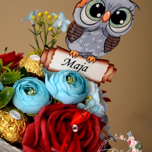 Baglyos szöveges ballagási csokor, Dekoráció, Otthon & lakás, Ünnepi dekoráció, Ballagás, Lakberendezés, Virágkötés, Egyedi névvel kérhető baglyos ballagási selyemcsokor Monseri csokival.\nkb.: 45cm hosszú\n25 cm átmérő..., Meska