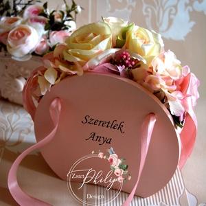 Örök kis virágtáska, Esküvő, Otthon & lakás, Lakberendezés, Asztaldísz, Virágkötés, Selyem örök virágból készült egyedi  fa kis kézi-táska. Egyedi rövid szöveg kérhető rá. Személyes ö..., Meska