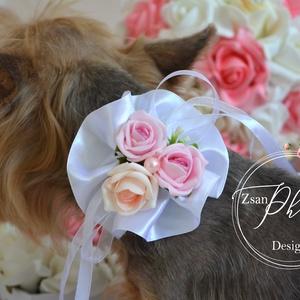 Kutya virágos nyakpánt, Otthon & lakás, Lakberendezés, Állatfelszerelések, Kutyafelszerelés, Virágkötés, Ünnepi hangulatba hozhatod kis kedvencedet is a tépőzárral állítható nyakpánttal., Meska