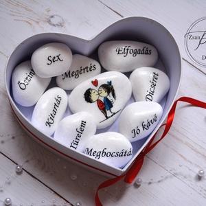 Szerelem alapkővei , Esküvő, Otthon & lakás, Nászajándék, Esküvői dekoráció, Dekoráció, Ünnepi dekoráció, Szerelmeseknek, Decoupage,transzfer technikával készültek a motivációs szavakkal ellátott kövecskék mérete kb. 5-6 c..., Meska
