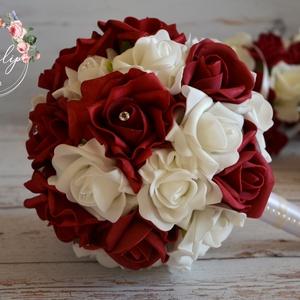 Érzéki csokor, Esküvő, Esküvői csokor, Otthon & lakás, Dekoráció, Csokor, Virágkötés, Bordós vörös és fehér álomszép árnyalataiból készült az elegáns élethű habrózsákból az örök ékszercs..., Meska