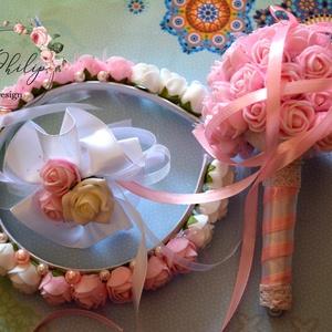 Kislány esküvői garnitúra, Esküvői szett, Esküvő, Virágkötés, Édes apró kis babarózsaszín-fehér habrózsákból készítettem a kislány hajráfot,csuklódíszt és kis cso..., Meska